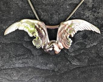 Polished Brass Seagull Necklace Godltone