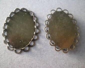 x 1 medium oval cabochon border ornamental bronze 23 x 18 mm