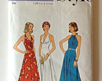 Style 4689 Ladies Dress Halter Evening Size 10 Circa 1970's