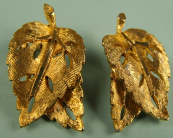 Vintage Signed Bsk Gold Tone Leaf Earrings