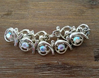 Vintage link bracelet, auboral Orialis rhinestones, silvertone.
