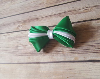 Green and white hair bow, St Patrick's day, hair accessories, girl accessories, hair clip, green hair accessories, green hair bow, cute, fun