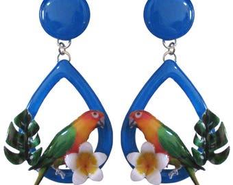 Orecchini con pappagallo e fiore di Frangipani
