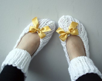 Snow White Knit Slippers / Knitted Socks with Saffron Ribbon Bow / Valentine Gift / For Mom / For Womens gift