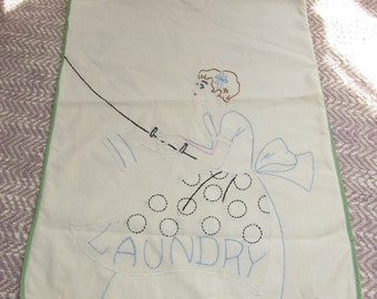 50s Vintage Laundry Clothespin Bag, Vintage Embroidery for the Home