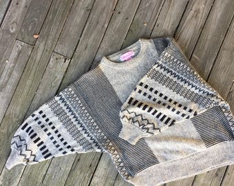 Large 90's dolman sleeve cropped sweater