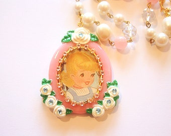 Vintage doll cameo necklace
