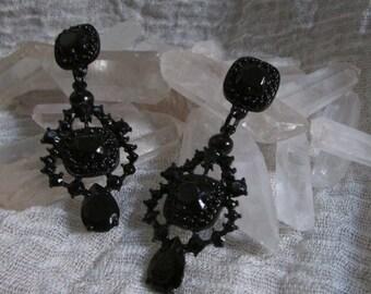 Gethen Earrings