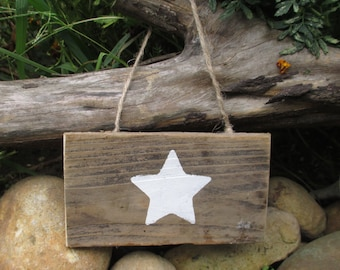 Star Wall Hanging - Country Decorations - Small Gifts - Reclaimed Wood Stars