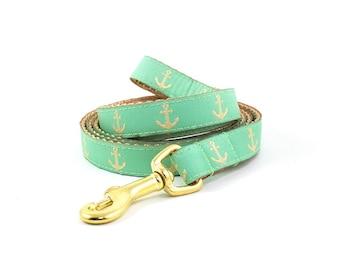 Matching Nautical Leash // S-L Leash // Pattern: Mint Green & Gold Anchors