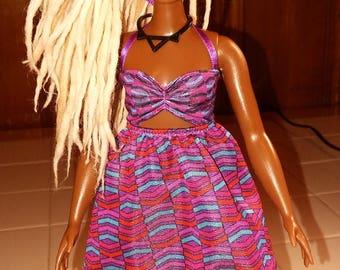 Curvy Girl with Blonde Locs