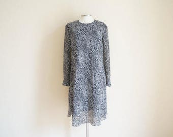 Vintage 1970s Dress / Vintage Animal Print Dress