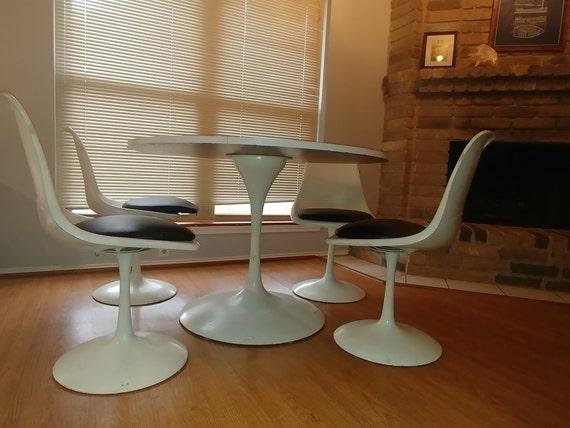 Mid Century Dining Set Mid Century Modern Saarinen Style - Tulip pedestal dining table