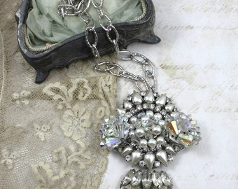 Vintage Assemblage Bridal Collage Pendant Neckace, Statement Bridal Necklace, Rhinestone and Pearl Bridal Necklace, Vintage Jewelry Collage