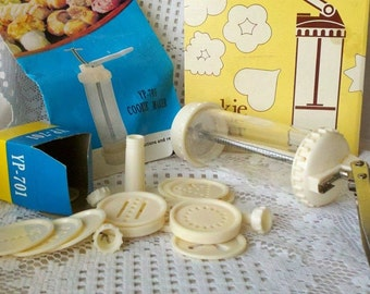 Vintage Cookie Maker and Decorating Press YP-701