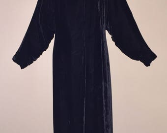 Vintage 30's Coat, 1930's Black Silk Velvet Opera Coat, 30's Black Velvet Evening Coat, Shirred Sleeves, Rabbit Fur Collar