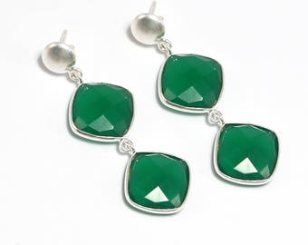 Green onyx 92.5 sterling silver earring