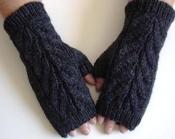 Hand Knit / 100% Wool / Hand Warmers / Fingerless Gloves