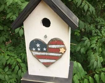 Americand Flag Heart Bird House,  Primitive Birdhouse,  Patriotic Country Birdhouses, Wooden Birdhouse, Handmade Birdhouse.