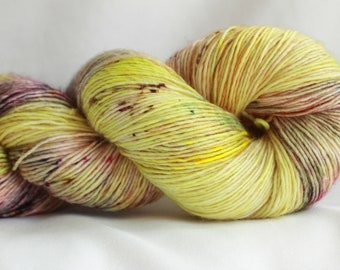 SUN FLOWER POPPY- Speckle dyed super wash merino single ply yarn  100 Grams (400 yards) free shipping