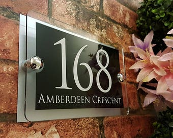Acrylic & Aluminium Personalised Wall Plaque House Number (PARA5-28WB-S-C)