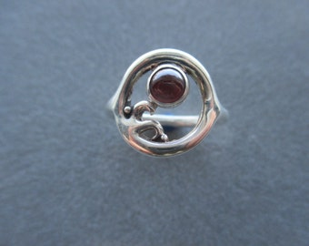 Sterling Silver Circle Swirl Wave Garnet Ring, January Birthstone