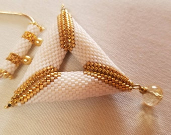 Peyote Necklace.  Triangle Necklace.  Beadwork Necklace.  24k Gold Plated Beads.  Gold Necklace