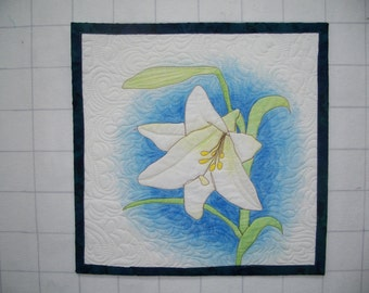 White Lily Wall Quilt