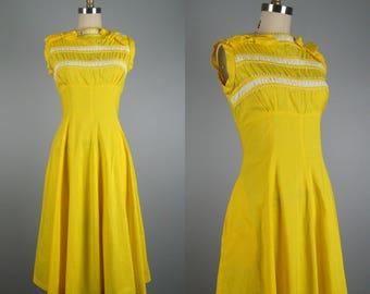 Vintage 1950s Cotton Dress 50s Yellow Cotton Full Skirt Dress with Cute Details Size M 29 Waist