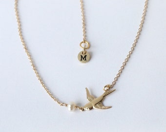 gold Swallow necklace, flying Swallow bird necklace, tiny Swallow Jewelry, Gold Swallow Charm, bird necklace, BFF birthday gift for her