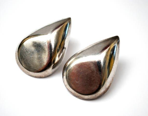 Sterling Tear drop earrings - Signed Taxco Mexico - Hallow silver pierced earring