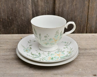 Vintage Harbro 'Greta' Three Piece Teacup Set