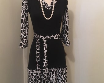 Calvin Klein printed belted dress sz 4