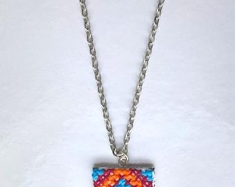 Pendant square cross stitch