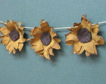 Primitive Small Sunflowers Garland - 3 Fabric Grungy Mini Sunflowers - Spring/Summer/Fall Garland - Country Primitive Home Decor