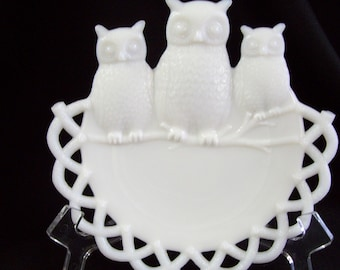 3 Wise Owls Plate by Westmoreland Glass