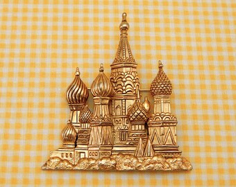 Vintage Jonette Jewelry (JJ) brooch - St. Basil's Cathedral Moscow Russia, gold enameled metal, large