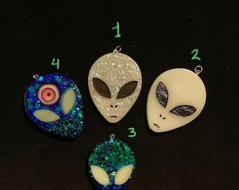 Glow in the dark Alien Charms / Pendants / Zipper Charms