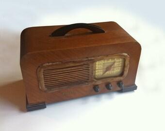 Philco Art Deco table radio model 41-221