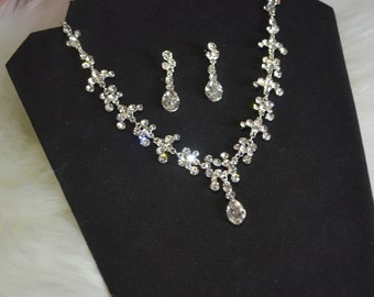 Bridal jewelry set, Necklace Choker, Earrings, Crystals, Costume Jewelry Wedding Set, gift for her, prom jewelry, sparkly
