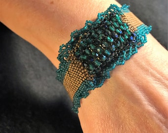 NO 165 Hand Beaded Crystal and Glass Bracelet