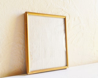 Vintage Gold Metal Picture Frame with Convex Bubble Glass