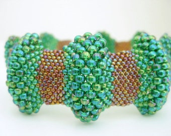 Bumpy Peyote Bracelet / Peyote Bracelet / Beaded Bracelet in Rainbow Green and Rainbow Topaz (Made To Order) Seed Bead Bracelet / Beadwork