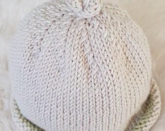 Knotted baby beanie with contrast trim
