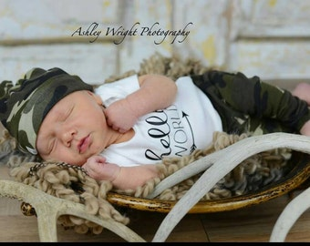 Hello world outfit / Camo outfit / baby boy outfit / baby boy gift / Camo leggings / Camo beanie / hello world onesie / baby boy Camo outfit