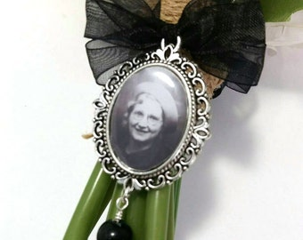Black Bridal Bouquet Photo Charm with your own personalised photo,  Memorial Charm, gothic wedding, with black bow ribbon, 25x18 Photo