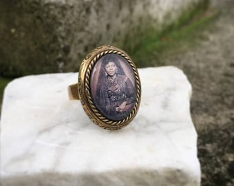 Mourning Ring, Lady in Mourning Ring, Oddity Jewelry, Oddity Ring,  Vintage Ring, Oval Ring, Cabochon Ring, Gothic Jewelry, Gothic Ring,