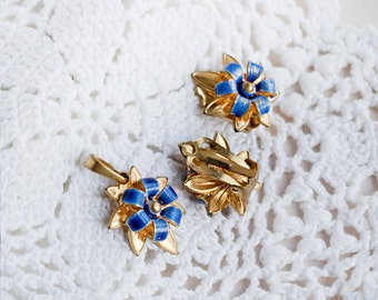 Gold blue jewelry_floral jewelry set_1980s_blue enameled flowers_glory-of-the-snow_blue starflower_clip on earrings_necklace clips set