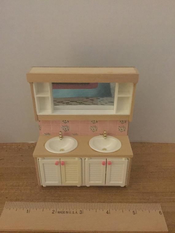 Dollhouse furniture Lundby vintage plastic bathroom white