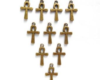 10 Antique Bronze Ankh Charms - 21-12-1